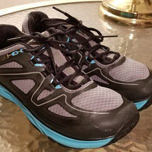 Topo Athletic Hydroventure Size 9 Running Shoes